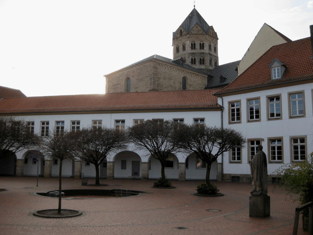 Gymnasium Carolinum