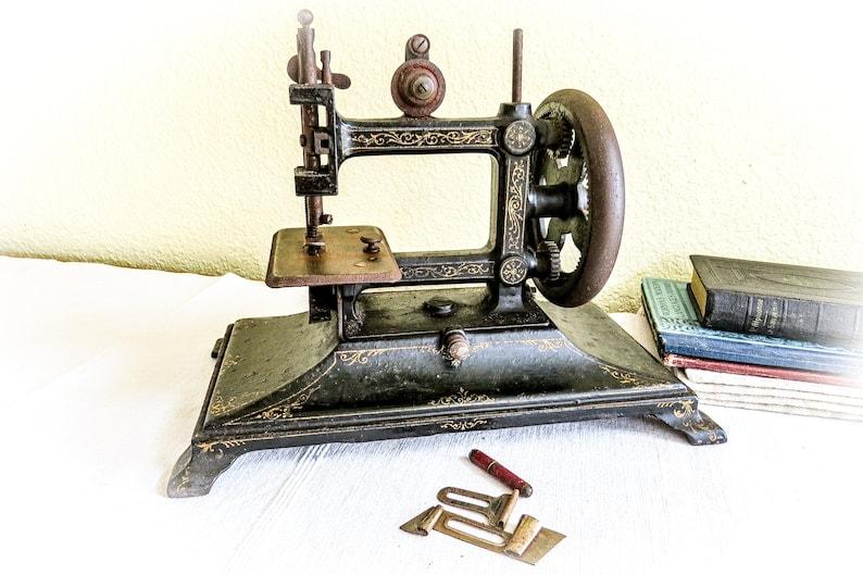 French Cast Iron Machine