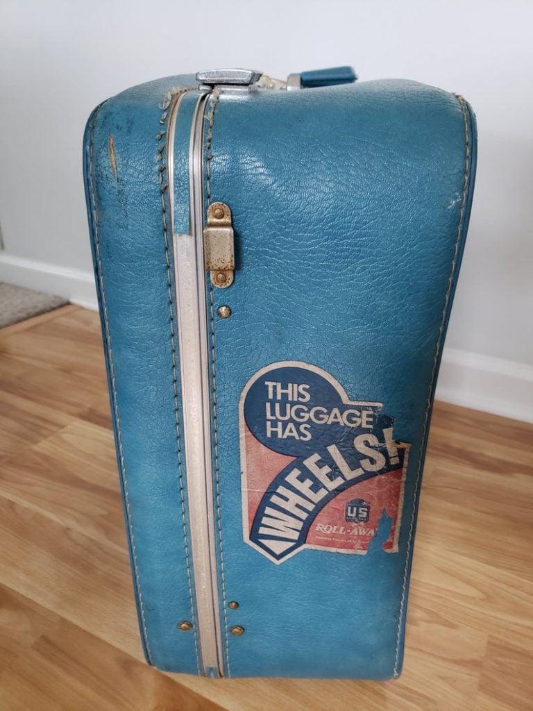 US Luggage Roll-Away