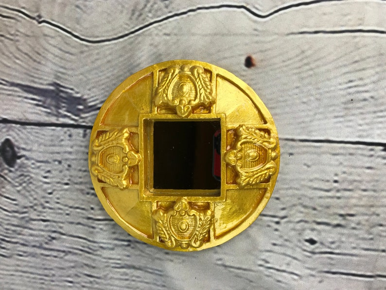 Square Mirror in Gold Round