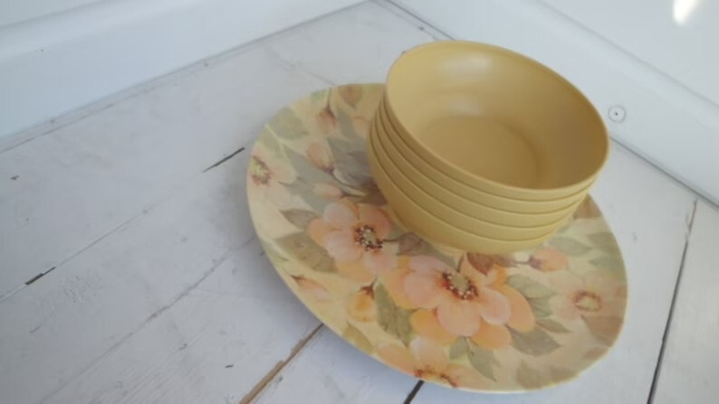 Vintage Tupperware Mustard Cereal Bowls set of 5