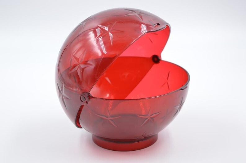 Vintage Tupperware Plastic Candy Nut Bowl