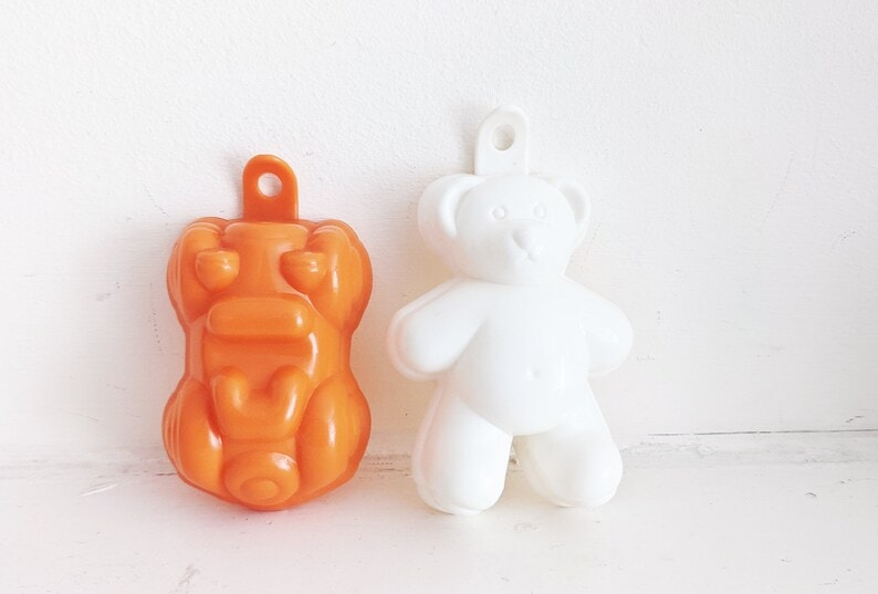 Vintage Yellow Plastic Cat Jelly Mould