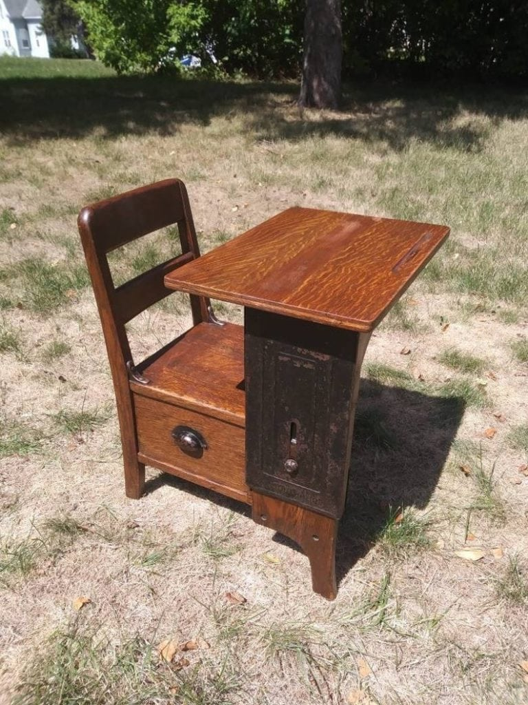 Oak Side-Drawer