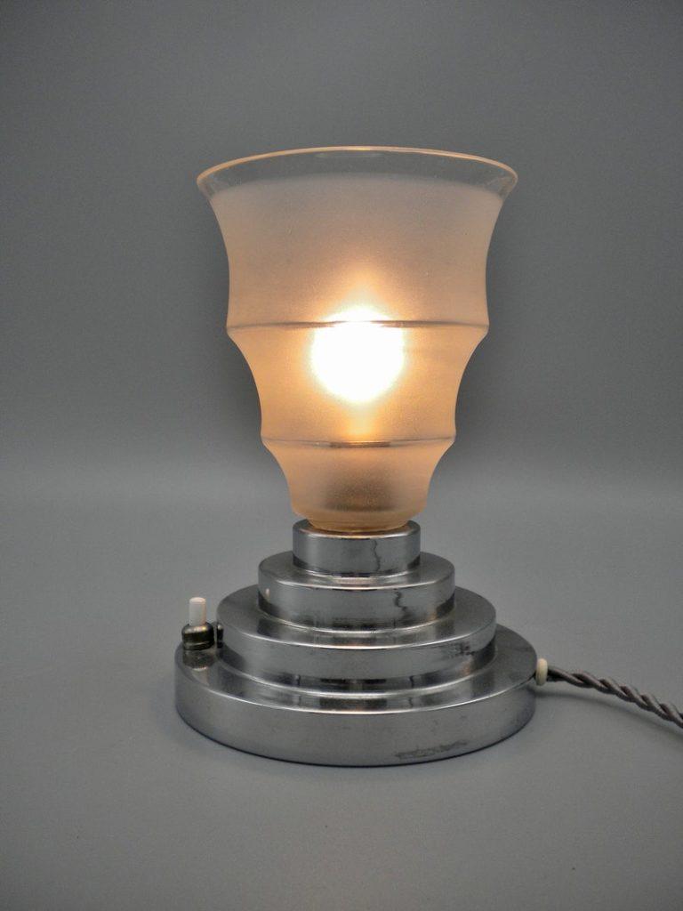 Lovely and elegant Art Deco chromed table/bedroom uplight lamp, the 1930s