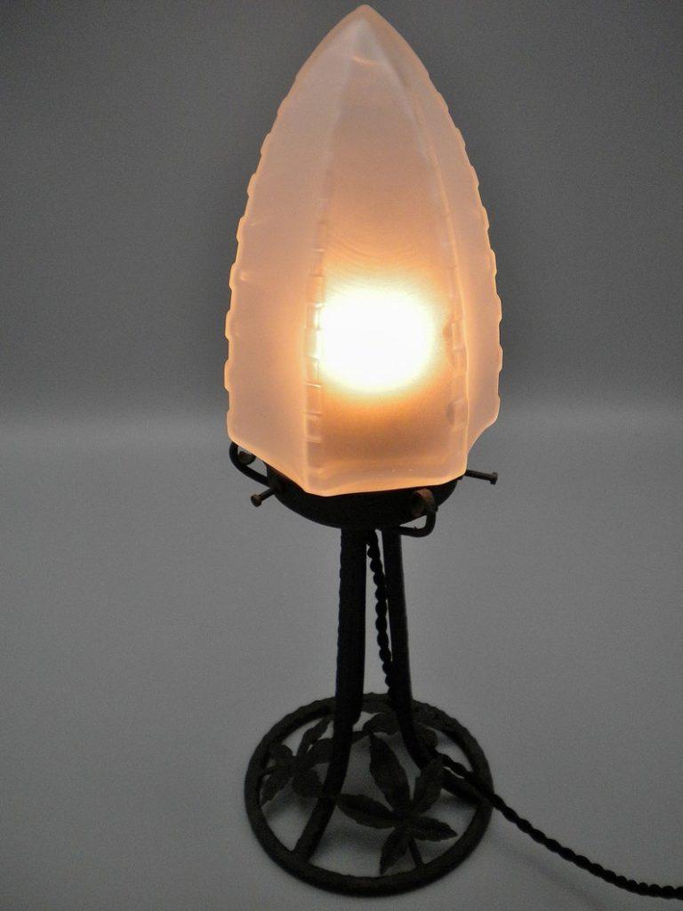 Very elegant French wrought iron Art Deco lamp