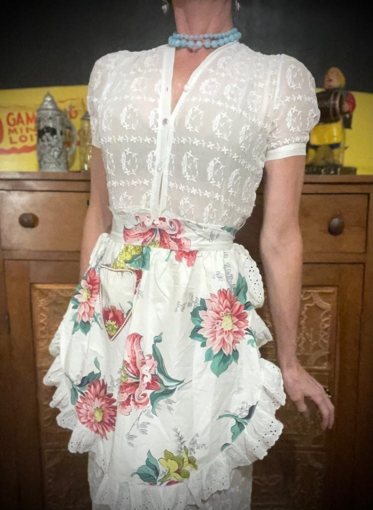 Vintage Floral Apron with Ruffles and a Sweetheart Pocket